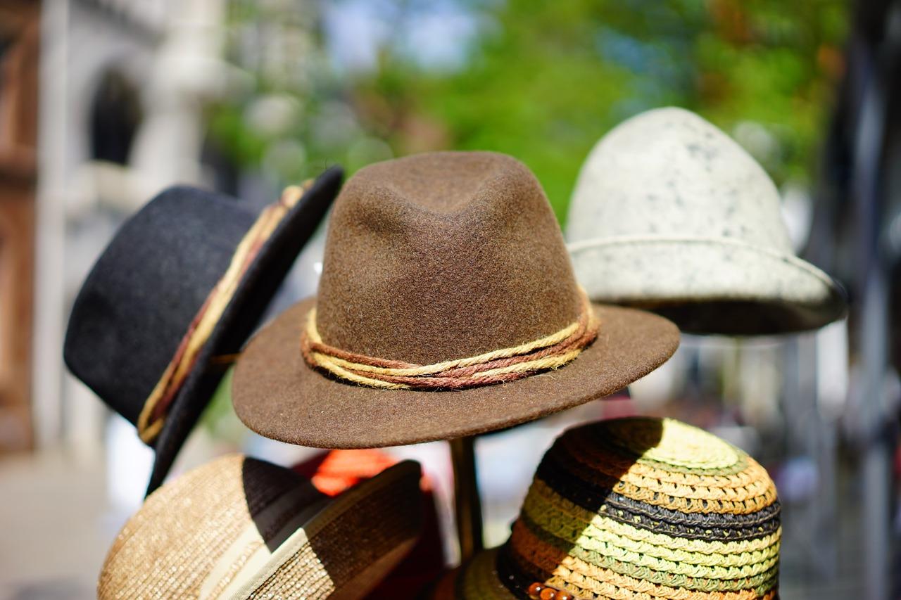7e211d3f3bb Vždyť vypadat líp je tak snadné – klobouk